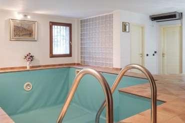piscina interna riscaldata